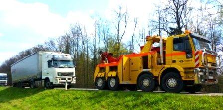 Technine-pagalba-kelyje-istraukimas-transportavimas-krano-paslaugos-577-2015.04.25 (6)