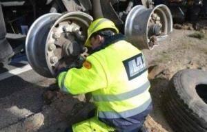 Technine-pagalba-kelyje-istraukimas-transportavimas-krano-paslaugos-578-2015.04.12 (40)