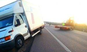 Technine-pagalba-kelyje-istraukimas-transportavimas-krano-paslaugos-637-2013.05.03 (2)