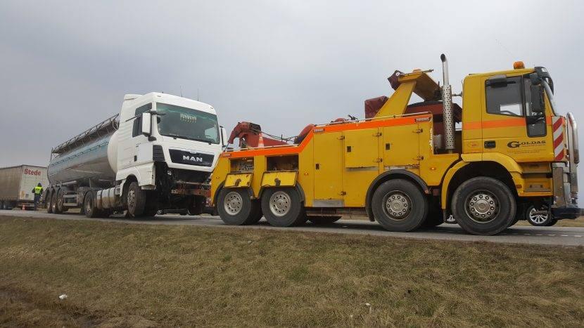 Sunkvežimių techninė pagalba kelyje +37064022220